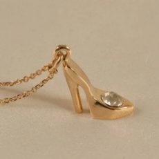 Gold Night Pump Pendant
