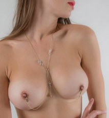 Impatient Desire breasts necklace gold